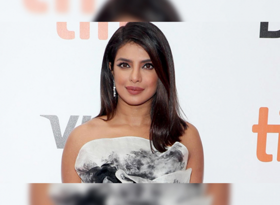 'The Sky Is Pink' premieres at TIFF 2019: Priyanka Chopra looks drop dead gorgeous!