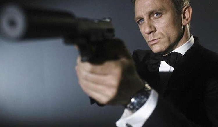 "Daniel Craig's ""No Time To Die"" Has Three Alternate Endings"
