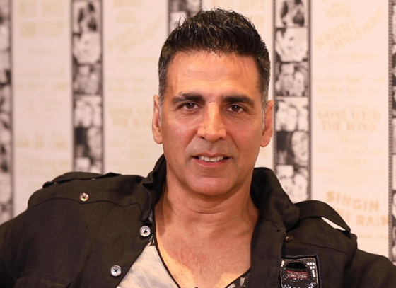 Akshay donates a lump sum for the transgender community