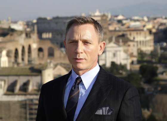 Fans request to push the release date of James Bond movie